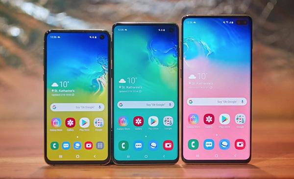 Kiểm tra màn hình Samsung qua hình thức bên ngoài