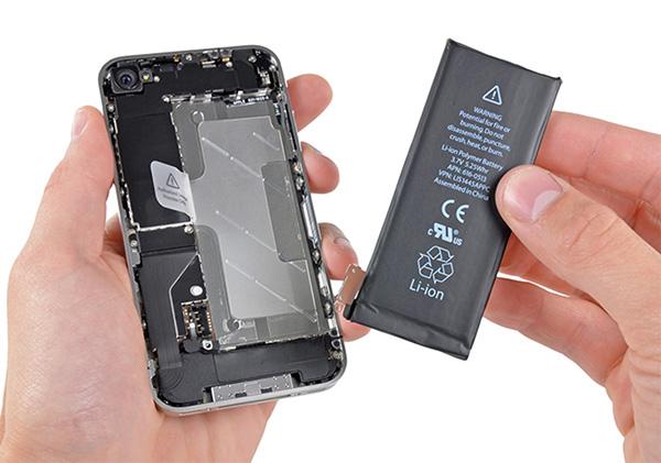 Thay pin iPhone mới là giải pháp khắc phục chai pin iPhone