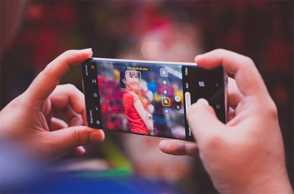 Cách chụp ảnh ban đêm đẹp bằng điện thoại