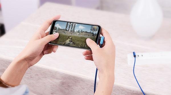 Vừa sạc pin vừa sử dụng điện thoại có sao không?