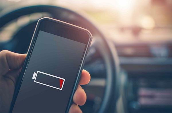 Kiệt pin cũng là nguyên nhân khiến điện thoại sập nguồn sạc không lên