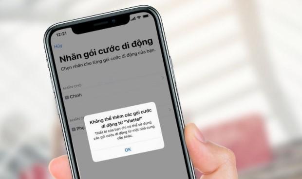 iPhone chính hãng nhưng được bán ra kèm với hợp đồng của nhà mạng phân phối
