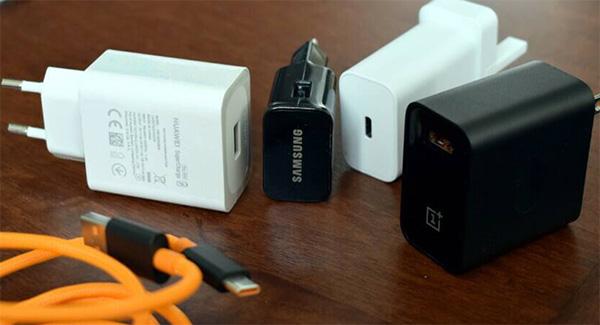 Thiết bị sạc chính hãng giúp sạc pin nhanh hơn và kéo dài tuổi thọ pin điện thoại