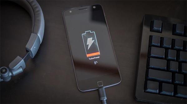 Kích pin điện thoại giúp khắc phục tình trạng điện thoại kiệt pin sạc không lên nguồn