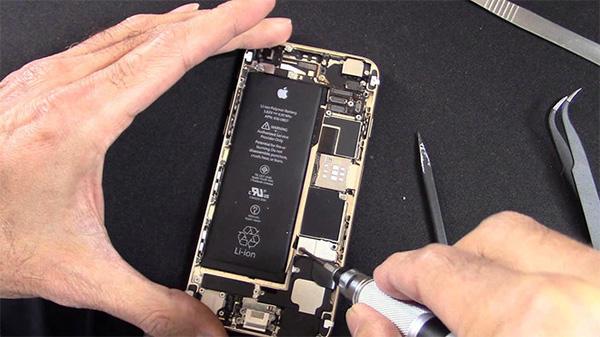 Thay pin iPhone ở đâu tốt