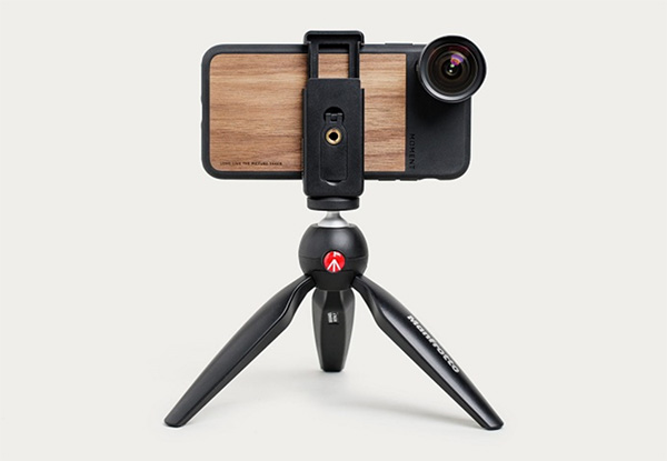 Đầu tư thêm chân máy hay gậy chụp hỗ trợ việc chụp ảnh của bạn