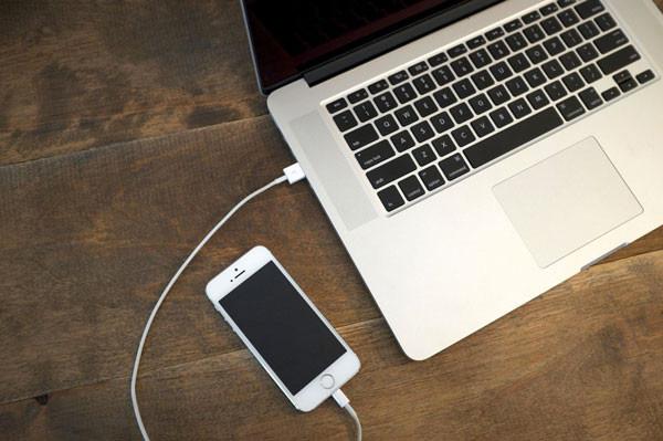 Kết nối iPhone với máy tính