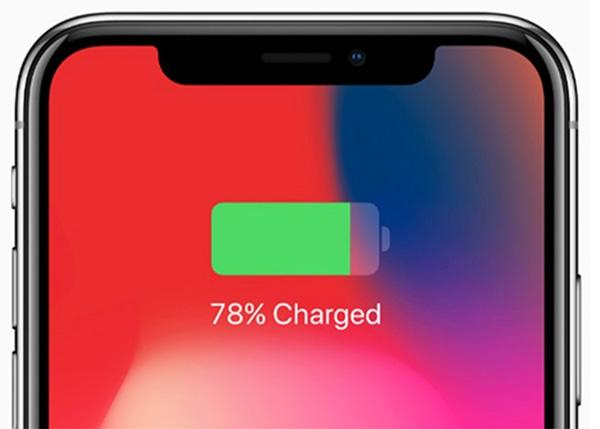 Khi kết nối iPhone với bộ sạc sẽ hiển thị phần trăm pin trên iPhone