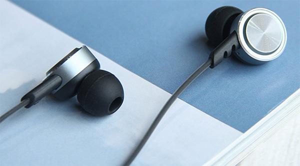 Có rất nhiều nguyên nhân khiến tai nghe bên to bên nhỏ