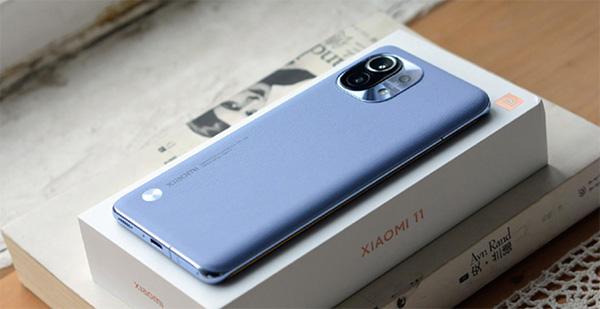 Điện thoại Xiaomi sở hữu vẻ ngoài rất sang trọng và đẳng cấp