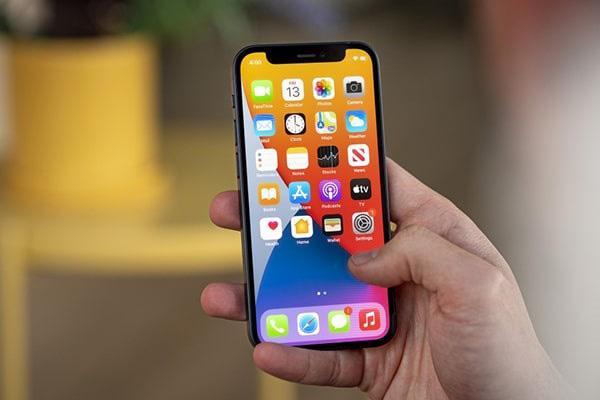 iPhone 13 mini sở hữu màn hình kích thước 5.4 inch 60Hz